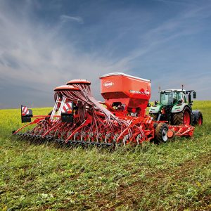 KUHN's AUROCK triple disc drill will sow into a cover crop but is equally adept working in minimum tillage or direct drilling conditions.